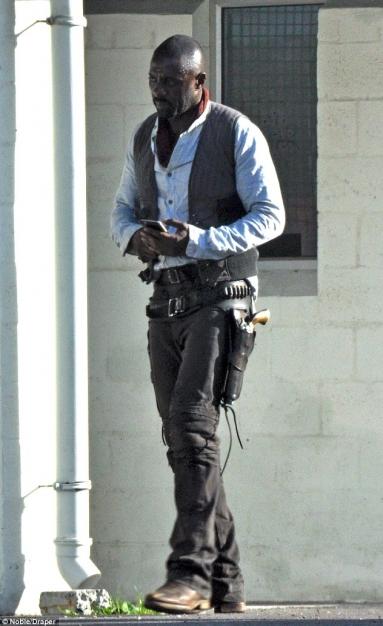 Idris Elba - The Gunslinger (4)