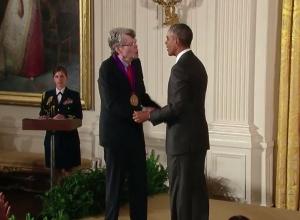 Stephen King - National Medal of Arts 05 - obrazek
