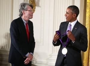 Stephen King - National Medal of Arts 03 - obrazek