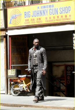 Idris Elba - The Dark Tower (zdjęcie FameFlynet) 28 - obrazek