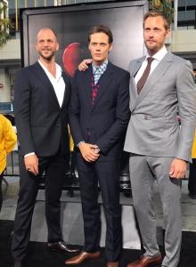 Bill Skarsgård wraz z braćmi na premierze To - obrazek