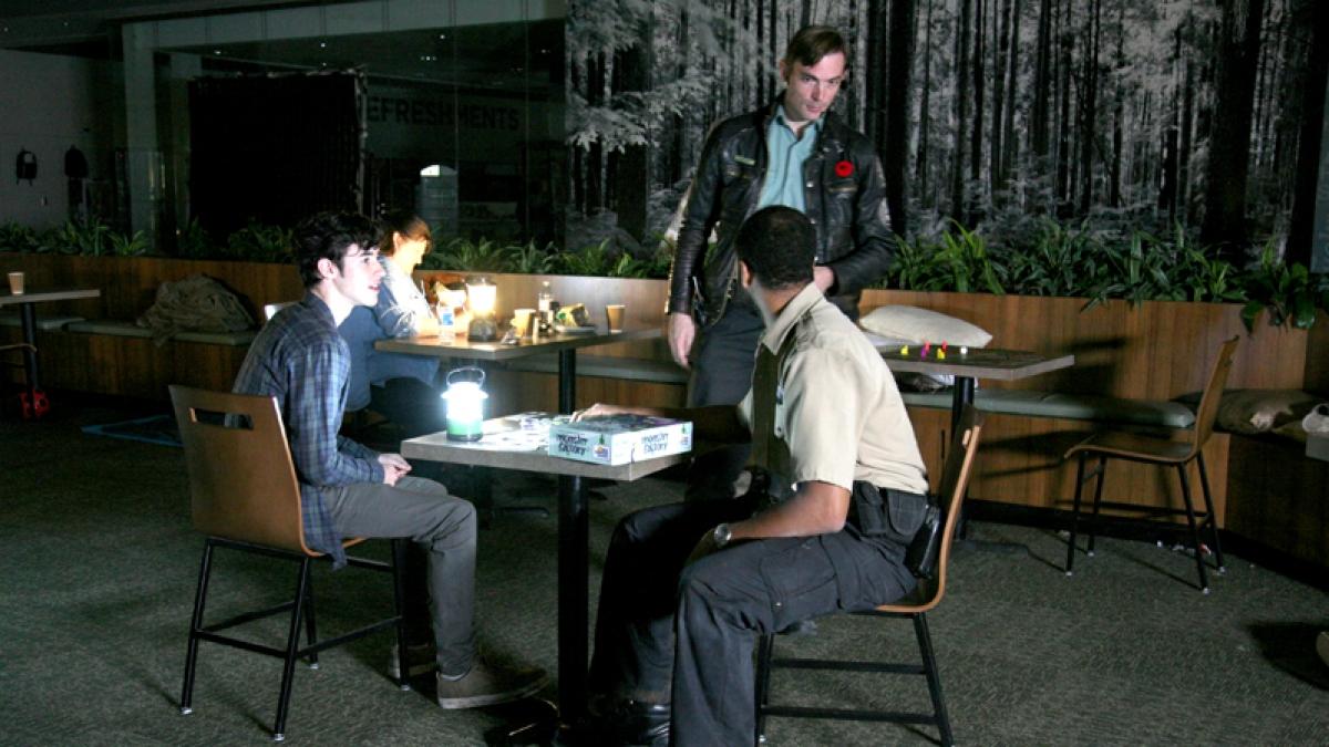 Mgła 007 na planie serialu (zdjęcie Tammy Fancy) - obrazek