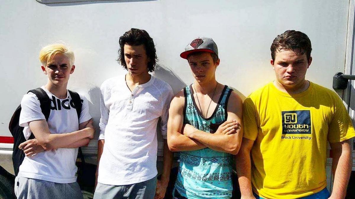 Gang Henryego Bowersa (Logan Thompson, Owen Teague, Nicholas Hamilton i Jake Sims) - obrazek