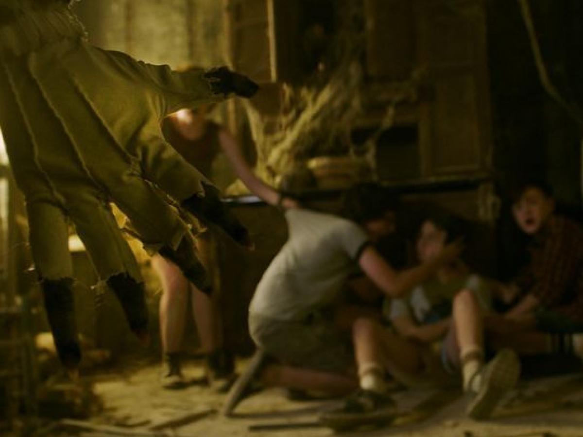 To - kadr z filmu 002 (zdjęcie Warner Bros) - obrazek