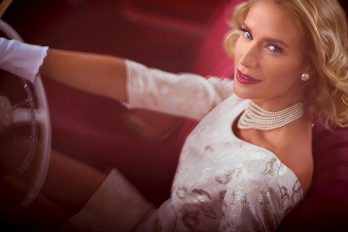 Kelly Lynch jako Deborah Hartsfield - obrazek