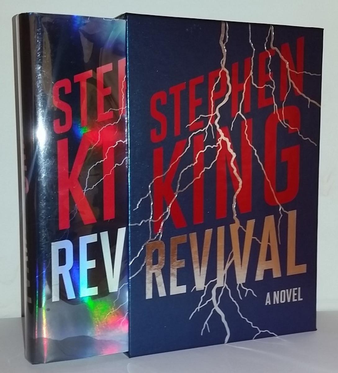 """""""Revival"""" - książka w etui - obrazek"""