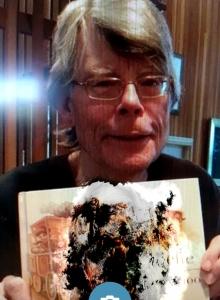 Sombra Group - Stephen King ma juz swĂłj egzemplarz Charlie Puf-Puf - obrazek