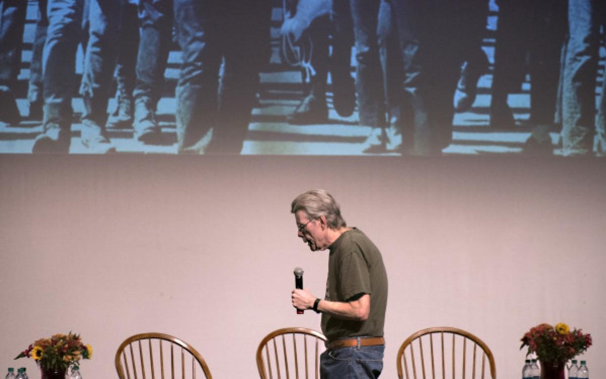 Stephen King na Uniwersytecie Maine (zdjęcie Gabor Degre) - obrazek