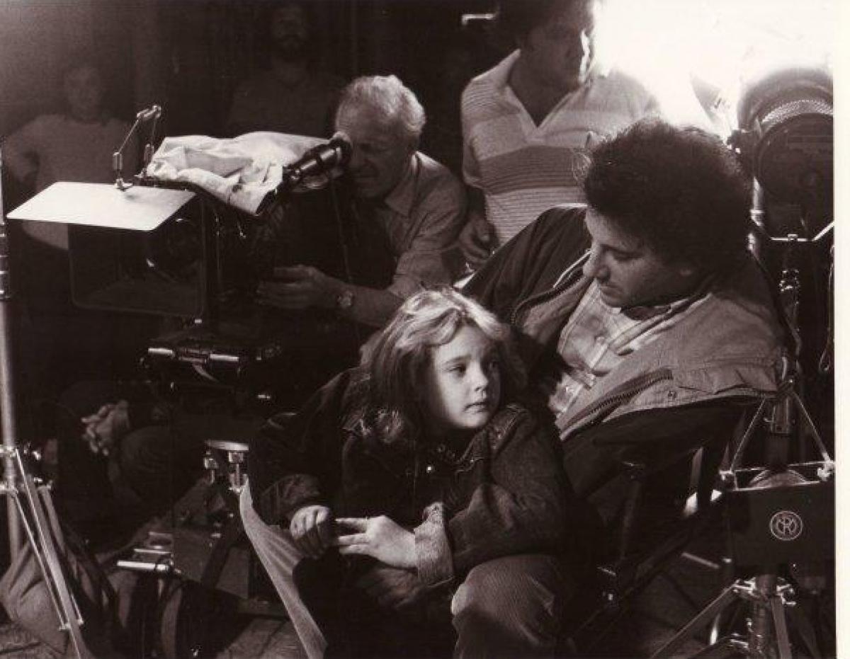 Drew Barrymore oraz Mark L. Lester - obrazek