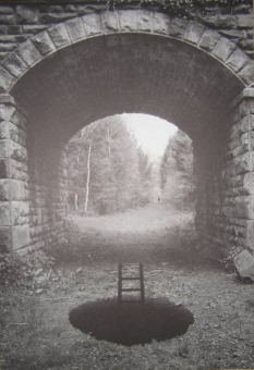 Jerry Uelsmann - Salems Lot 03 - obrazek