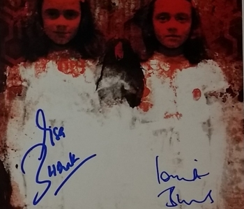 Grady Twins - autografy Lisy & Louise Burns - obrazek