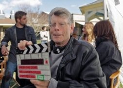 Stephen King Na planie serialu 'Pod kopułą'