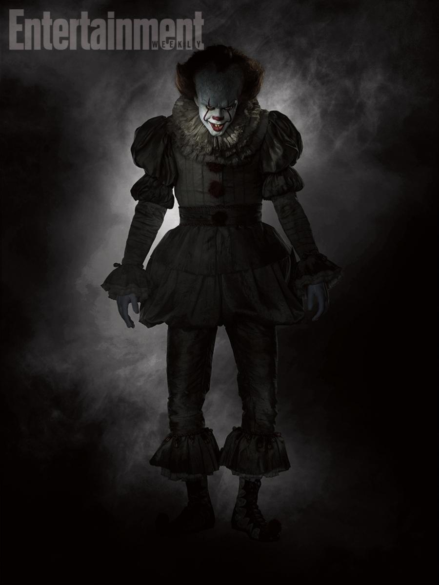 Bill SkarsgĂĽrd jako Pennywise - obrazek