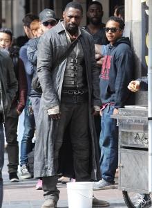 Idris Elba 082 na planie w Los Angeles (zdjęcie JFXimages) - obrazek